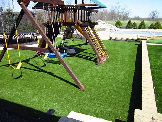 akron-playground-grass