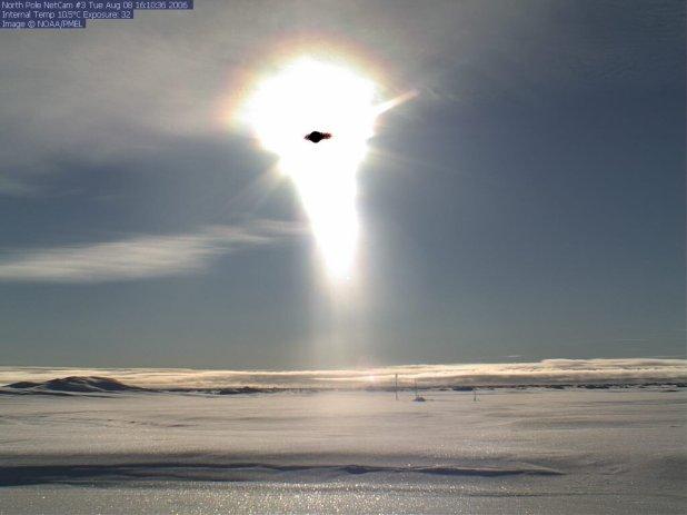 Foto del Polo Nord ripresa l'8 agosto 2006 alle 16:10:36