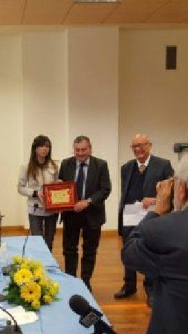 Michele Drosi riceve premio Esculapio 2016