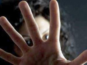 Catanzaro – Aggredisce la ex a pugni, arrestato 35enne