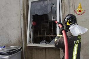 Fuga di gas provoca incendio in un'abitazione a Serra San Bruno