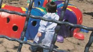 Soverato – Tenta di rapire bimba di 3 anni