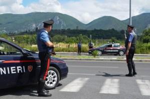 Non si ferma all'alt dei Carabinieri, inseguito e arrestato