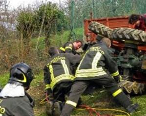Contadino schiacciato dal trattore, portato in elisoccorso all'ospedale di Catanzaro