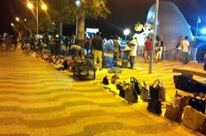 Il lungomare di Soverato e i venditori ambulanti
