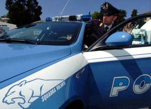 Danneggia automobile rivale in amore, 32enne arrestato