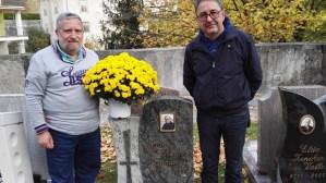 A Terragnolo (Trento) fiori sulla tomba di Padre Silvano Lanaro amato parroco di Badolato, di Squillace e noto a Catanzaro Lido.