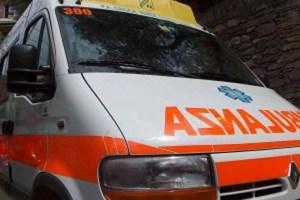 Bimbo di tre mesi muore per un rigurgito in culla, inutili i soccorsi del 118