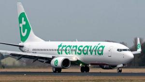 Troppa puzza in aereo: pilota costretto ad atterraggio di emergenza