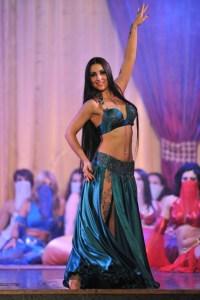 Soverato, Lelah Kaur è tornata con lo spettacolo della danza del ventre