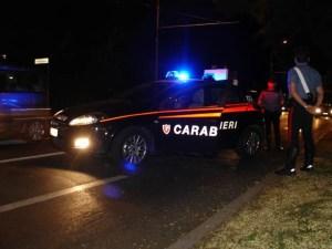 Ragazzo accoltellato nella notte, ricercato un 15enne rumeno