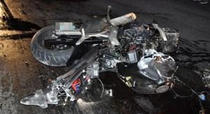 Moto contro un pullman, ferito gravemente un giovane di 22 anni