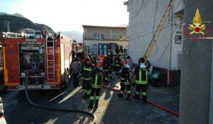 Incendio distrugge casa di riposo, in salvo tutti gli anziani ospiti della struttura