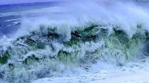 Maltempo – Venti di burrasca sullo Jonio, mareggiate lungo le coste esposte
