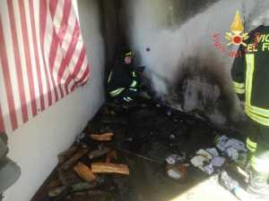 Incendio di una veranda nel catanzarese, intervento dei Vigili del Fuoco