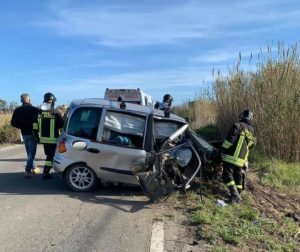 Muore 58enne rimasto ferito in incidente sulla Ss 106, il conducente indagato per omicidio stradale