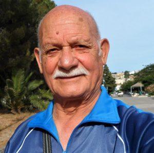 Mimmo Badolato di Soverato e altri maestri nell'arte di dipingere i ciottoli di mare