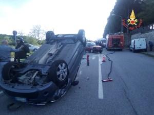 Scontro tra due auto a Chiaravalle Centrale, sette feriti
