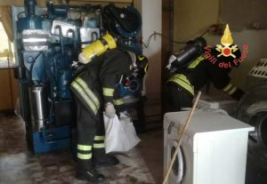 Dispersione di cloro in una lavanderia nel catanzarese, due intossicatigravi