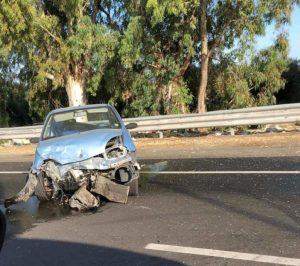 Brutto incidente sulla Ss 106 nel catanzarese, 4 mezzi coinvolti. Quattro feriti