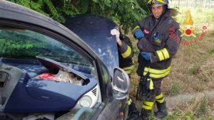 Incidente stradale sulla Ss 106 nel catanzarese, due feriti