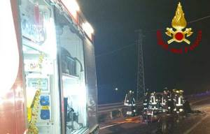 Tragico incidente stradale in Calabria, due morti
