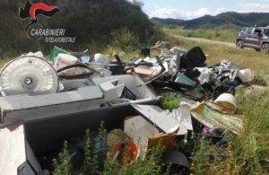 Abbandono illecito di rifiuti, individuate con videocamere e multate 10 persone