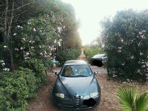 FOTO NEWS   Soverato – Parcheggi selvaggi nella pineta