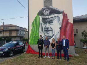 A Girifalco un murales raffigurante il generale Carlo Alberto Dalla Chiesa