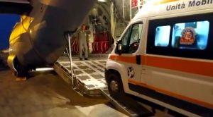Bambina di 18 mesi in pericolo di vita trasportata con aereo militare a Torino