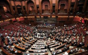 Meno parlamentari, meno peggio è