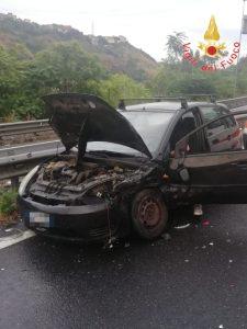 Incidente tra due auto a Catanzaro, feriti lievi