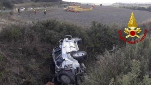 Auto finisce in una scarpata in Toscana, muore 24enne calabrese