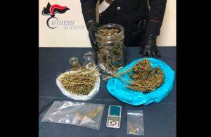 Detenzione e spaccio di stupefacenti, 34enne arrestato ad Amaroni