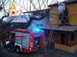 Incendio di un'abitazione a San Sostene, danni ma nessun ferito