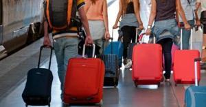 In fuga dall'Italia: via 816 mila gli italiani all'estero, 3 su 4 giovani