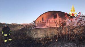 Incendi in due appartamenti e in una ditta di pellet