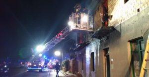Paura nella notte: esplodono bombole del gas in un appartamento, strage sfiorata