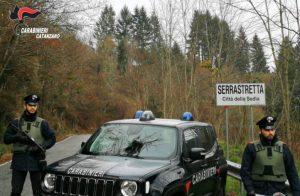 Ubriaco picchia la moglie, figlio minorenne chiama i carabinieri e lo fa arrestare