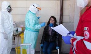 Scritte e minacce sulla casa di una ragazza calabrese positiva al Coronavirus