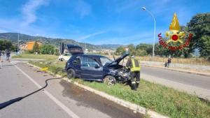 Scontro frontale tra due auto, un ferito trasportato in ospedale