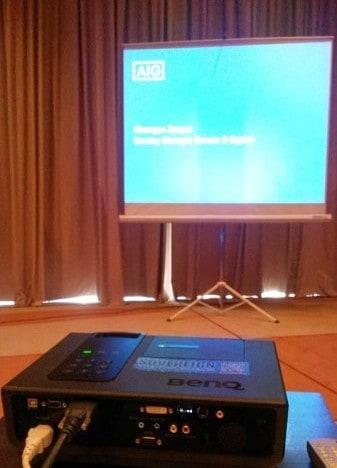 Ενοικίαση πανιού projector 2x2m front – εμπρόσθιας προβολής