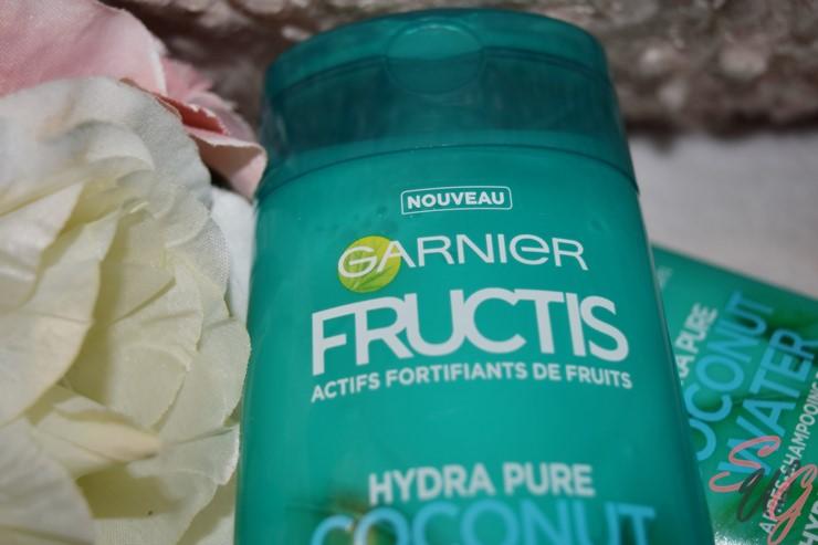 On vous présente la gamme Coconut Water de Fructis, Garnier. Shampoing et après-shampoing.