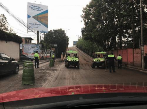 Los trabajos complican la movilidad en el área. (Foto: captura Facebook)