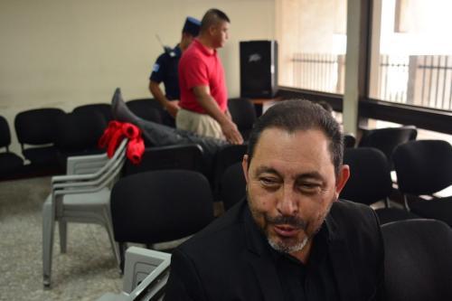 En este caso también está implicado Mauricio López Bonilla. Al fondo, atienden al exfuncionario que padece problemas de salud. (Foto: Jesús Alfonso/Soy502)