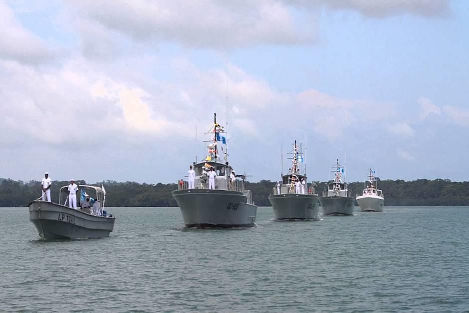La embarcación llevará a bordo lanchas rápidas y por lo menos un helicóptero. (Foto: captura de pantalla)