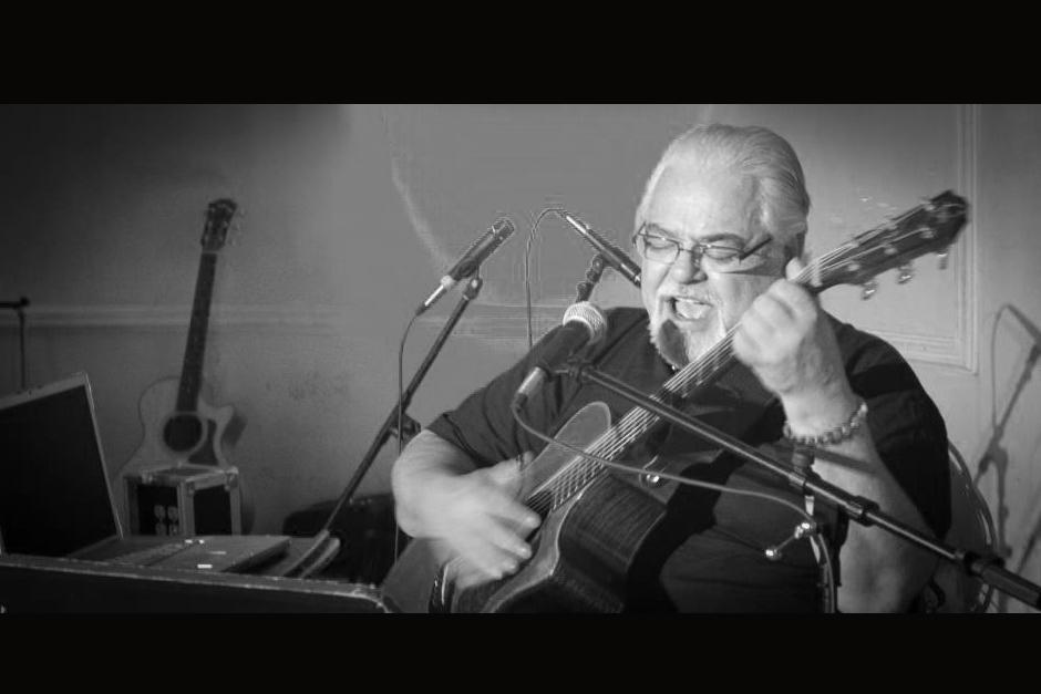 A sus 66 años y quebrantos de salud, muere al cantautor guatemalteco Luis Galich. (Foto: Facebook)