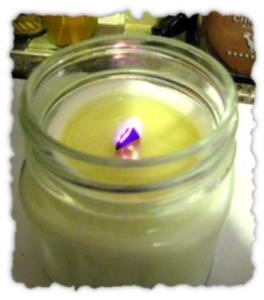 Medium wood wick soy candle test