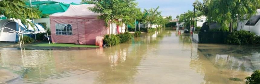 Zona del Camping Majal Costa Blanca con agua en las calles