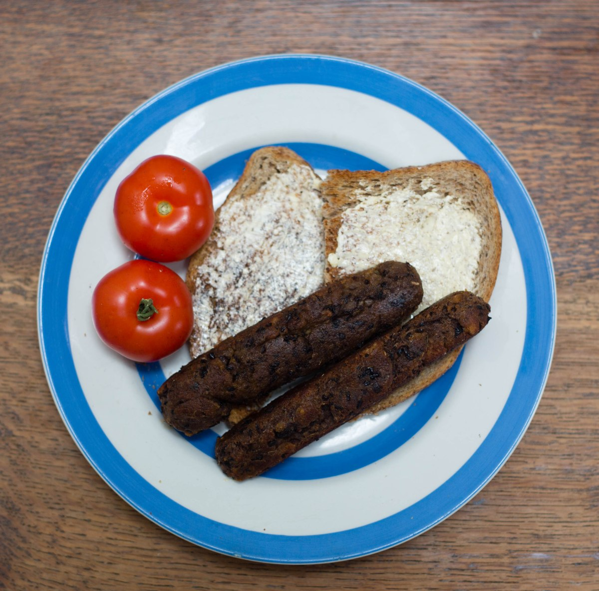 Vegan MoFo: Smokey Black Bean Sausages